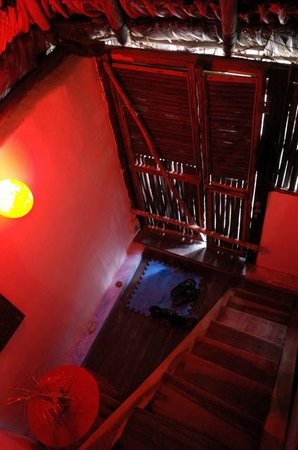 "Cabañas, Hostal y Camping ""Magic Bacalar"": stairwell up to private double room"