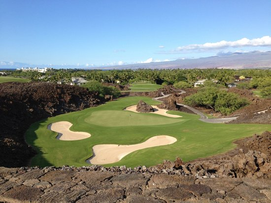 Mauna Lani Resort Golf Club: The 17th hole on the North course.