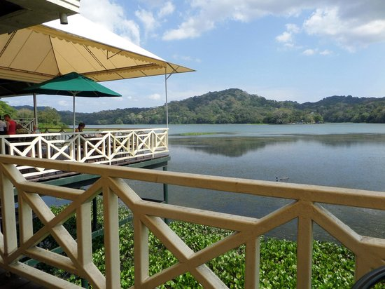 Gamboa Rainforest Resort: View from Los Lagartos Restaurant. They have a very tasty veggie quesadilla btw...
