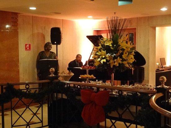 L'Hotel PortoBay Sao Paulo: Pianos
