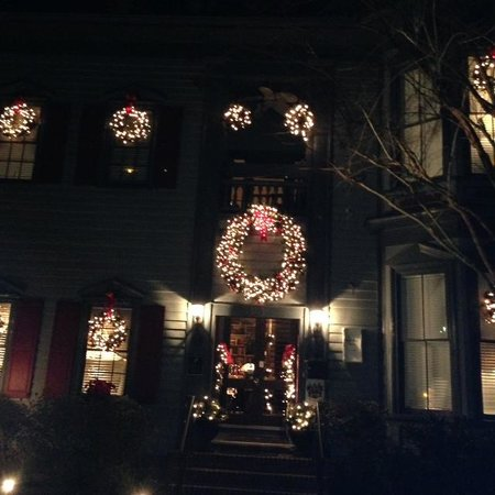 The Aerie Bed and Breakfast: Holiday Splendor