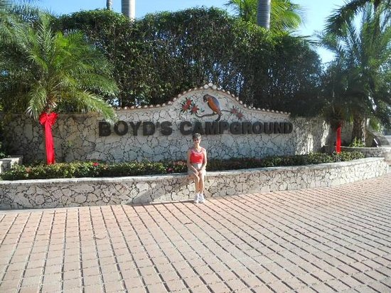Boyd's Key West Campground : Entrance