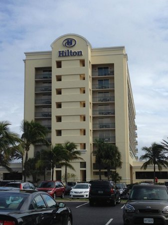 Hilton Singer Island Oceanfront/Palm Beaches Resort: Hotel front