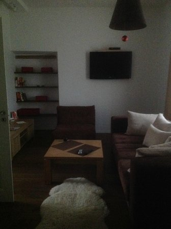 Rentida Apartments: second room