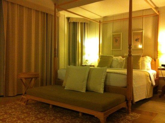 Devasom Hua Hin Resort: Beautiful bedroom--incredibly clean