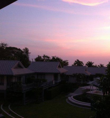 Devasom Hua Hin Resort: Amazing sunrise!
