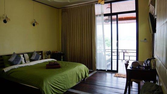 Loyfa Natural Resort : So big and comfy bed ;))