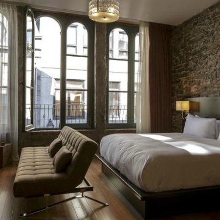 Photo of Le Petit Hotel Montreal