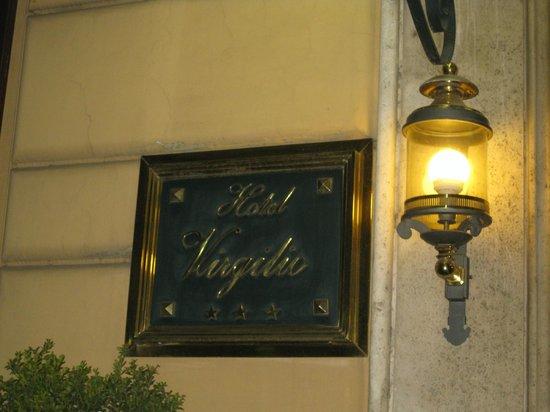 Hotel Virgilio: вход