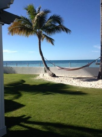 Southernmost Beach Resort : SMOB oceanfront, ground floor room facing west lawn