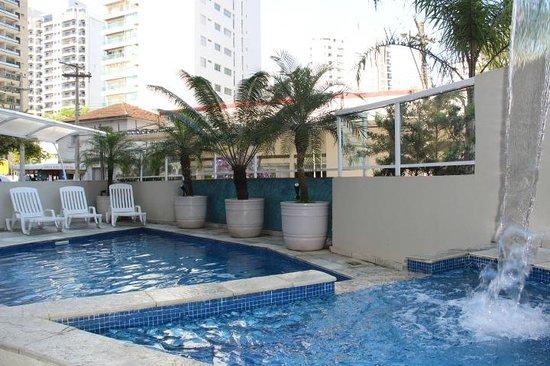 Hotel Guarumar : Piscina