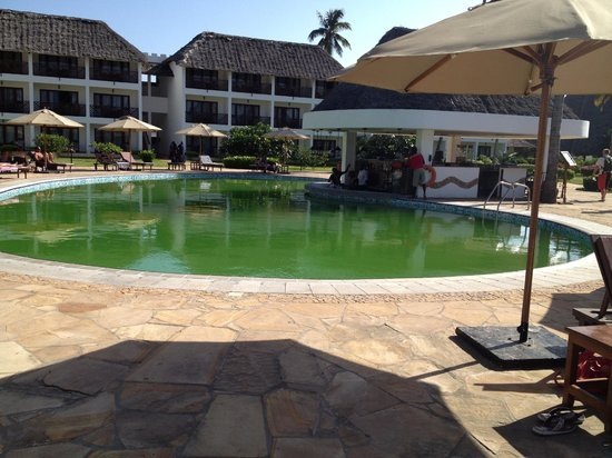 DoubleTree by Hilton Resort Zanzibar - Nungwi: pool - midweek