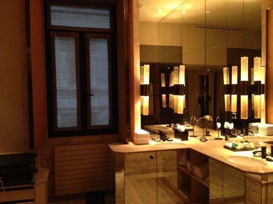Park Hyatt Milan: banheiro
