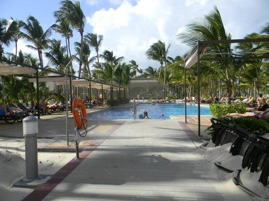 Piscine secondaire picture of clubhotel riu bambu punta for Club piscine chicoutimi