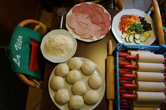 Ristorante La Vita: Zutaten  in der Pizzabackschule