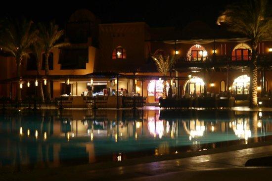 TUI SENSIMAR Makadi Hotel: By Night