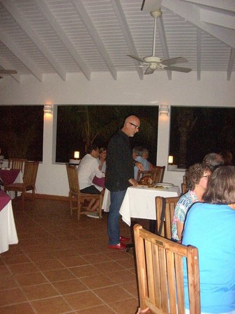Jacala Beach Restaurant: Jacques carving Thanksgiving turkey