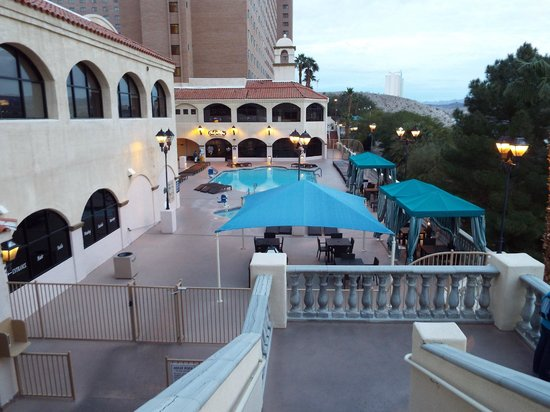 Harrah's Laughlin: Hotel Pool
