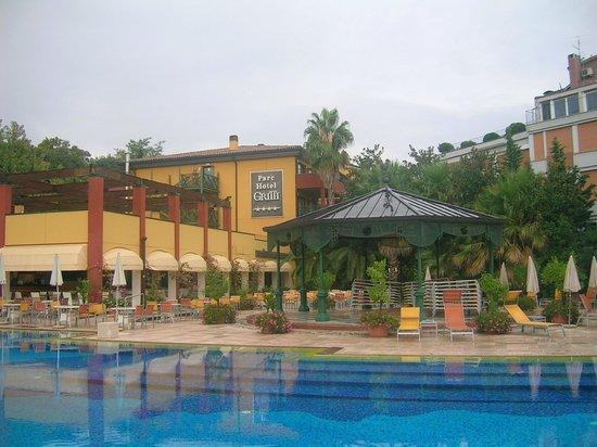 Parc Hotel Gritti : Außenpoolbereich