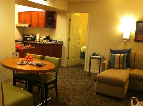 HYATT house Scottsdale/Old Town : Our two bedrooms suite