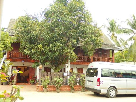 Villa Chitdara: vor dem Hotel