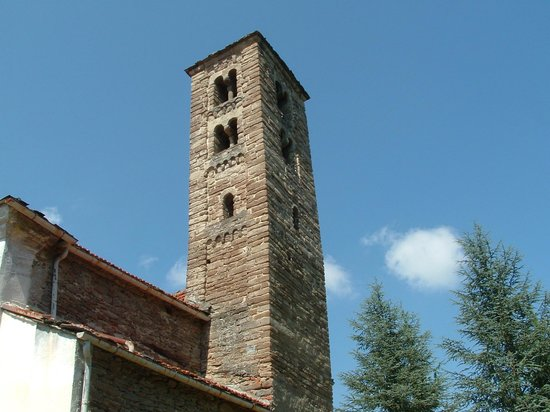 Saliceto, Włochy: Campanile romanico