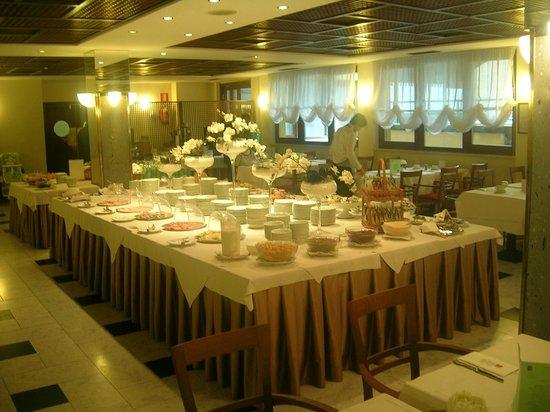 Parc Hotel Gritti : das Frühstücksbuffet läßt keine Wünsche offen