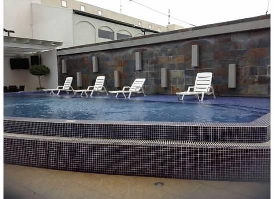 Hotel HEX : poolside