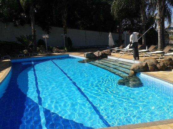 Hotel Vila Verde Atibaia : Piscina