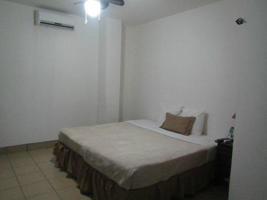 Hotel Mozonte: Habitacion