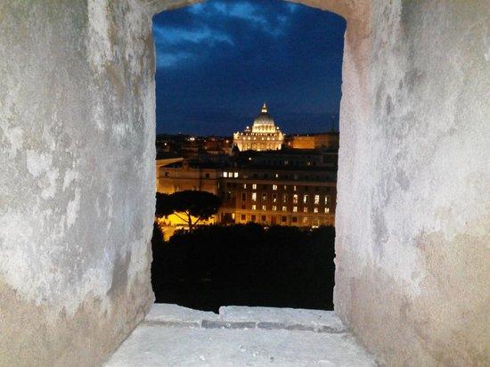 Engelsburg: San Pietro by night