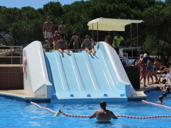 Camping La Siesta - Calella de Palafrugell : toboganes piscina principal