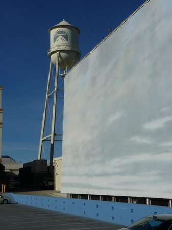 Paramount Pictures - Studio Tours: Water tower, fake sky and where they turn water scenes