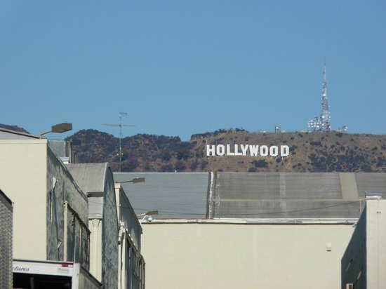 Paramount Pictures - Studio Tours: Hollywood sign view