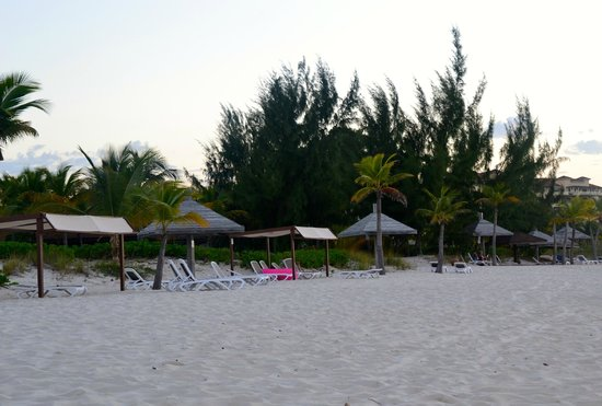 Club Med Turkoise, Turks & Caicos: Hotel chairs and cabanas