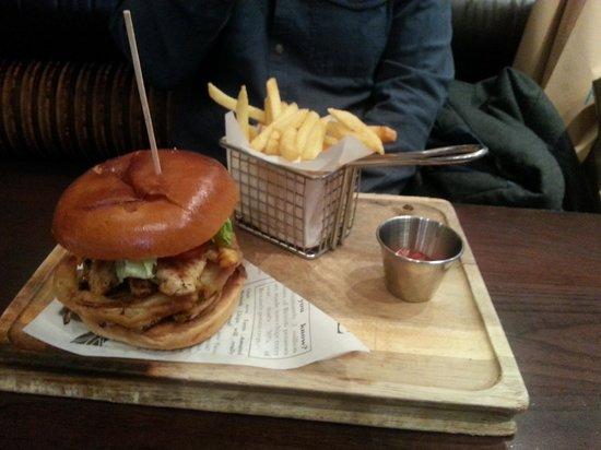 Banyan Bar & Kitchen: Ranch Burger