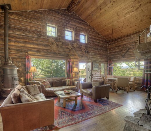 Blue Lake Ranch: Cabin in the Woods- Great Room