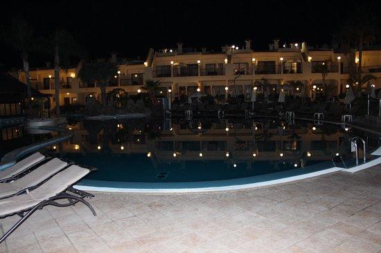 Royal Sunset Beach Club : Pool