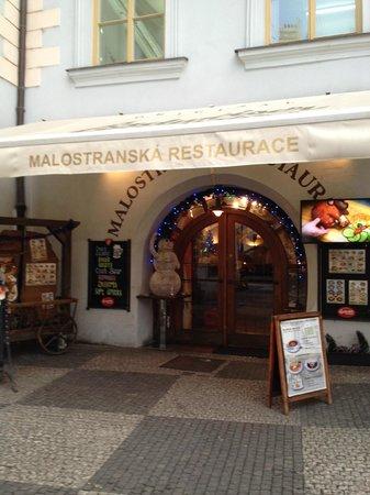 Malostranska Restaurant: Avoid this place!