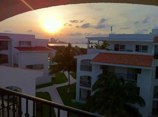 Beachscape Kin Ha Villas & Suites: Vista da varanda do quarto