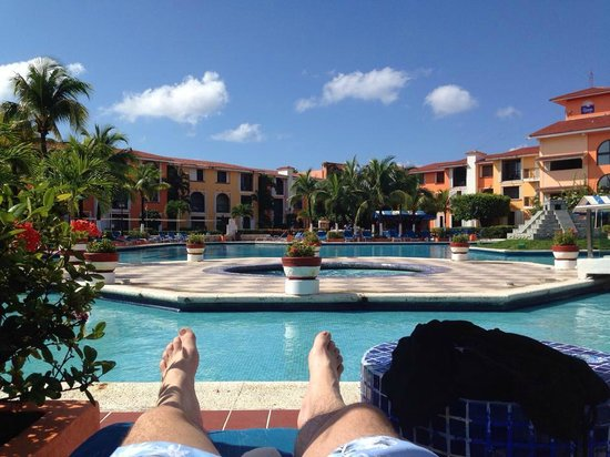 Hotel Cozumel and Resort : pool, with activities stage behind us