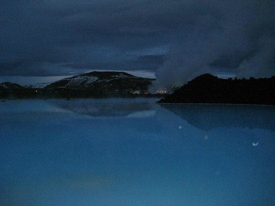 Blue Lagoon : Heated from the sea water pumped into the fault