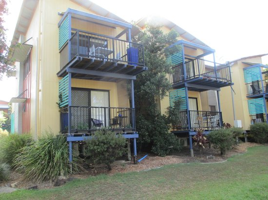 Noosa Lakes Resort : Hotel fachada e áreas externas