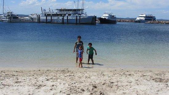 Port Stephens Marina Resort: The clean waters