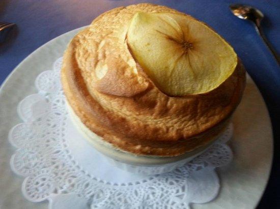 Restaurant Au Souper Fin : Soufflé Calvados ou Grand Marnier