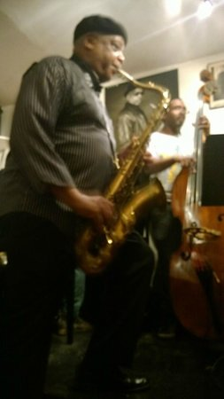 Harlem Heritage Tours: Jazz club, up close and personal.