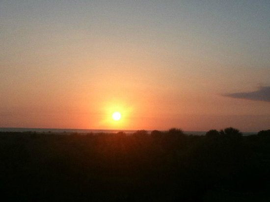 Palm Island Resort : Sunset on the beach