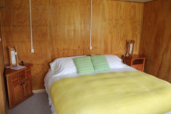 Donde German Hostel: cama