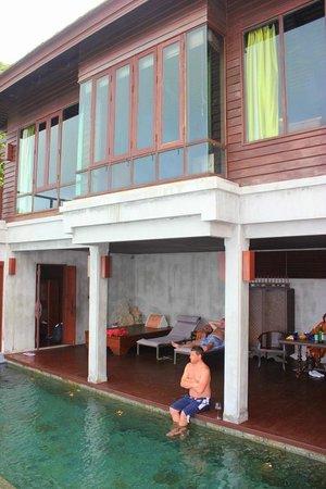 The Kala Samui: Second room above the pool