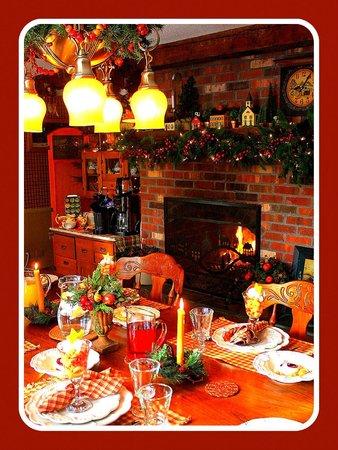 The Clarke House Bed & Breakfast : Breakfast by the Fire